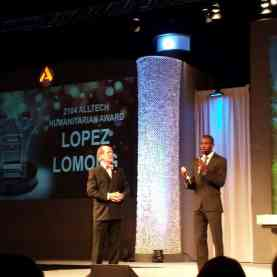 I'll be honest, Lopez Lomong wasn't really on my radar before this conference. But hearing his tell his story sent chills up my spine. He was awarded the 2014 Alltech Humanitarian Award by Dr. Lyons and I he embodies the spirit of the award fully.