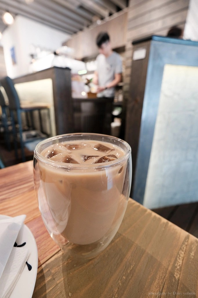twins brothers coffee 4 - 台北京站 Twin Brothers Coffee 限量出爐肉桂捲,華陰街上迷人的肉桂味