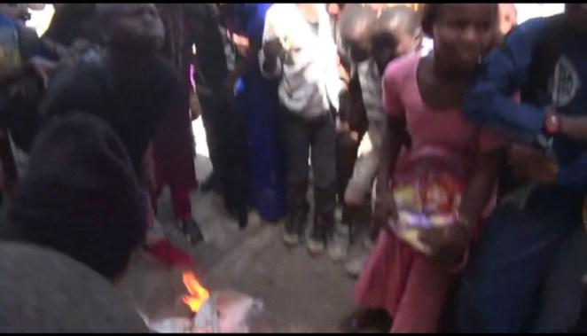 Des lacrymogènes lancées dans une école : Des jeunes élèves suffoquent et appellent à l'aide