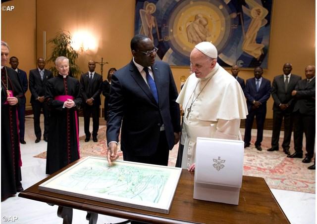 Le Pape François envoie un message au Président Macky Sall ...