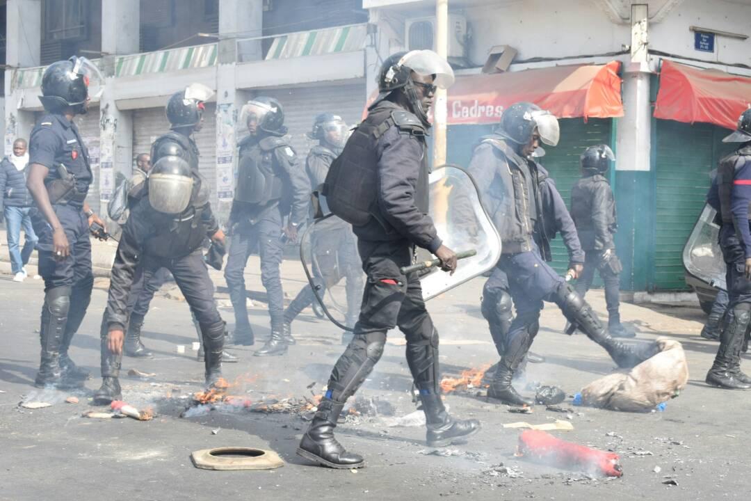Dernière minute : le commissariat de la Médina envahit par des manifestants