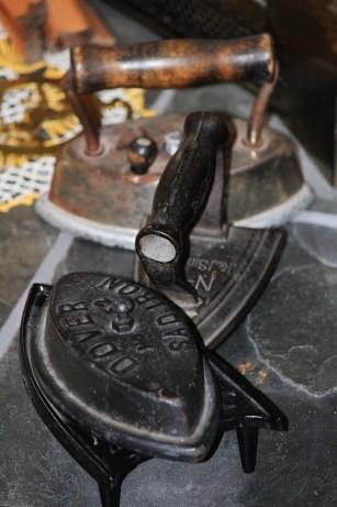 sad iron, vintage irons