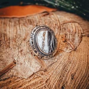 White Buffalo Ring Sz. 6.5
