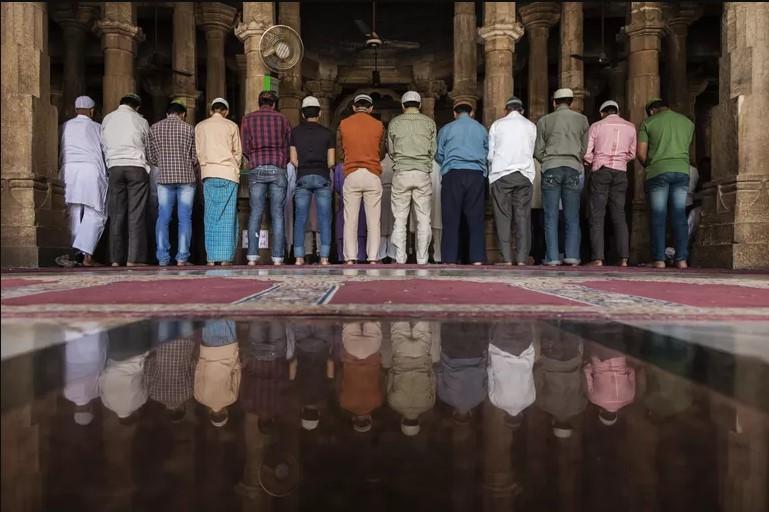 Teks Doa Qunut Nazilah untuk Muslim Uighur-dakwah.id