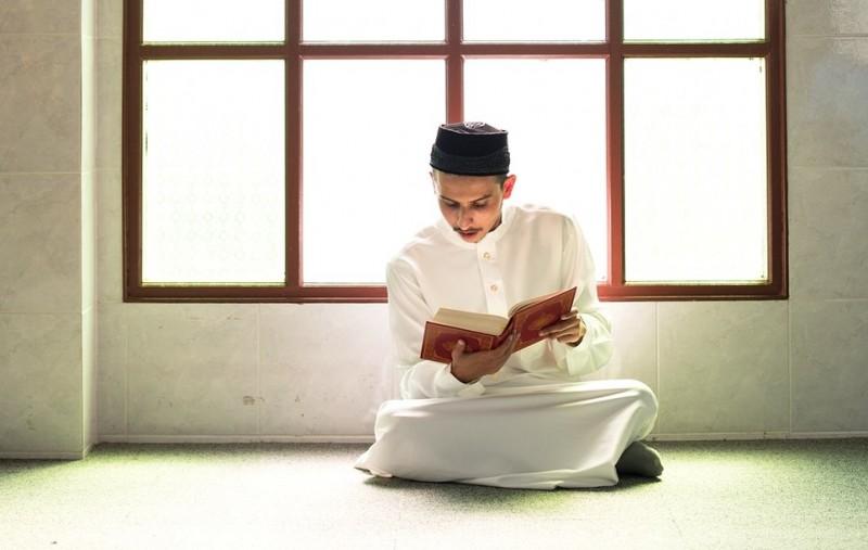 Khutbah Jumat Al-Quran dan as-Sunnah Pedoman dan Ruh Kehidupan-dakwah.id