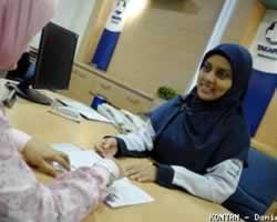 Suasana di sebuah Kantor Asuransi (kontan.co.id)