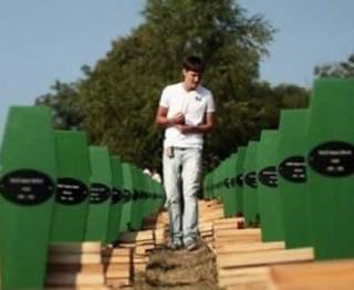 Penguburan kembali korban pembantaian Serbia di Bosnia (prijedorcity.com)