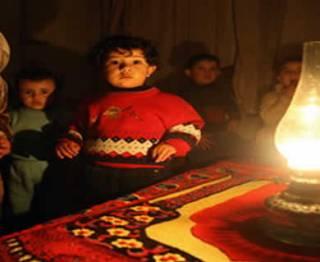 Ilustrasi - Anak-anak Palestina dalam gelap tanpa listrik. (knrp)