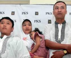 Agus Choeruddin dan keluarga (ari saputra/detikcom)