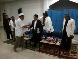 Silaturahim PKS ke Wahdah Islamiyah. (dakwatuna.com / Samin Barkah)