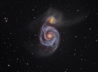 "Ilustrasi - ""M51: The Whirlpool Galaxy"". (rsvlts.com / Martin Pugh)"