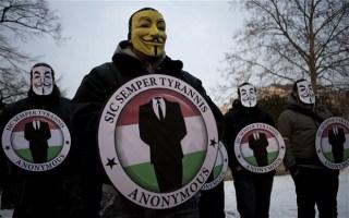 Legiun Peretas Anonymous dalam sebuah aksinya (ilustrasi)