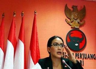 Rieke Diah Pitaloka, anggota Dewan Perwakilan Rakyat (DPR) periode 2009-2014 dari PDIP dari Daerah Pemilihan Jawa Barat II. (rimanews.com)