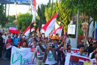 Aksi Damai Peduli Rakyat Mesir di Bali (18/8/13) (foto: Fatkur)