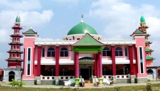 Masjid Al-Islam Cheng Ho, Sriwijaya, di jalan Jakabaring, Palembang. (Foto: TEMPO/ Arif Ardiansyah)