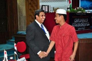 Alfath bersama Said Agil Munawwar pada MTQ Internasional, Yordania. (Irhamni Rofiun)