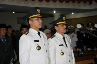 Pelantikan Walikota dan Wakil Walikota Padang Panjang Periode 2013 - 2018