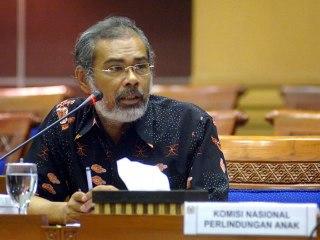 Ketua Komnas Perlindungan Anak (Komnas PA), Arist Merdeka Sirait. (caraberhentimerokok.com)