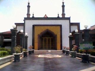 Masjid Raya At Taqwa Cirebon. (wikipedia)