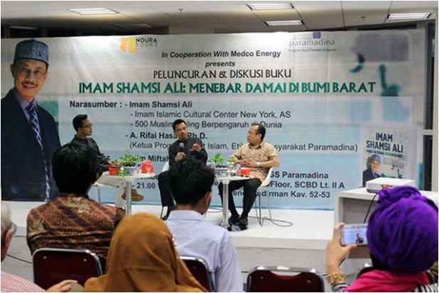 Launching Buku Imam Shamsi Ali: Menebar Damai di Bumi Barat, di Universitas Paramadina, Jakarta. (Irhamni Rofiun)