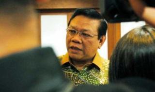 Menteri Koordinator Kesejahteraan Rakyat (Menkokesra) Agung Laksono (foto: rimanews.com)
