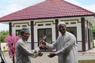 Peresmian masjid ke 95 PKPU di di Perumahan Villa Dago Blok F kelurahan Benda Baru, Pamulang, Tangerang Selatan, Banten, Ahad (13/4/2014). - (Foto:PKPU)