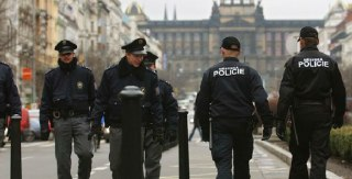 Polisi Ceko (inet) - (Foto: islampos.com)