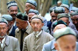 Warga Turki Uighur di Turkistan (almoslim.net)