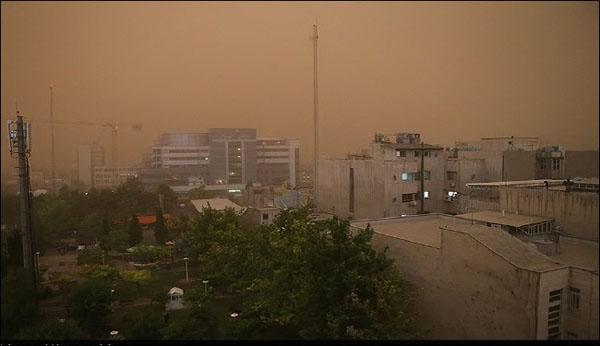 بالصور..عاصفة غير مسبوقة تضرب طهران