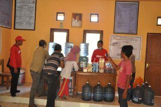 Dapur air PKPU di desa Sangeang, Kecamatan Wera, NTB.  (apn/pkpu)