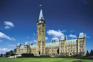 Gedung parlemen Kanada (media.web.britannica.com)