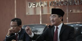 Ketua DKPP Jimly AAsshidiqie memimpin Sidang Lanjutan Kode Etik Terkait Pilpres.  (kompas.com)