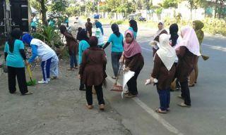Kegiatan Bandung Clean Action (BCA) di Kota Bandung.  (ACTNews)