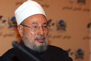 Syaikh Yusuf Al-Qaradhawi, pengarang kitab Fiqh Jihad (therightscoop.com)