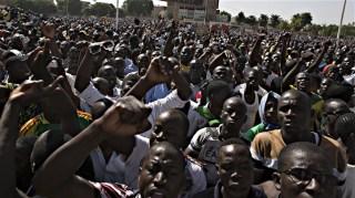 Gelombang protes yang meggulingkan Presiden Compaore (senego.com)