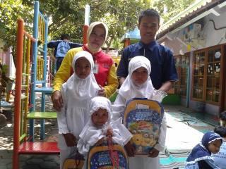 Santunan Yatim dalam rangka menyambut tahun baru hijriyah.  (Retno/PKPU/Semarang)
