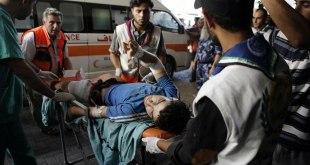 Ilustrasi - Seorang warga Palestina luka-luka akibat serangan Israel di sekolah PBB di Beit Hanun, Jalur Gaza, tiba di RS al-Shifa kota Gaza, 24 Juli 2014. (AFP Photo/Mohammed Abed)
