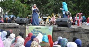 "Aksi Gerakan Menutup Aurat (GEMAR) 2016 ""MENUTUP AURAT TANDA TAAT"" Bersama FSLDK Se Surabaya Raya dan Warga Kota Surabaya Minggu, (14/2/2016),  (DS)"