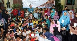 Rrauma healing bagi anak-anak Luar Batang, Jakarta Utara, pada 15 April 2016. (Bunga Padma Putri)