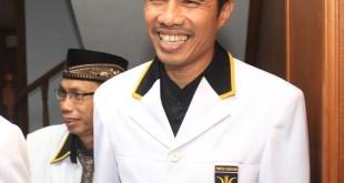 Ketua DPW PKS DKI Jakarta Sakhir Purnomo (kanan) bersama Ketua MPW PKS DKI Jakarta Muhammad Arifin. (IST)