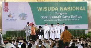 Wisuda penghafal Alquran oleh Imam Masjidil Haram, Syekh Dr Hasan Abdul Hamid Bukhari.