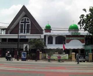 Ilustrasi - Masjid dan Gereja. (ksupointer)