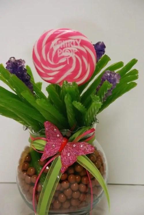 centro de mesa con dulces