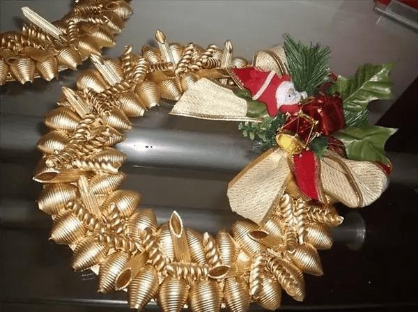 Adornos navideos hechos con pasta Dale Detalles