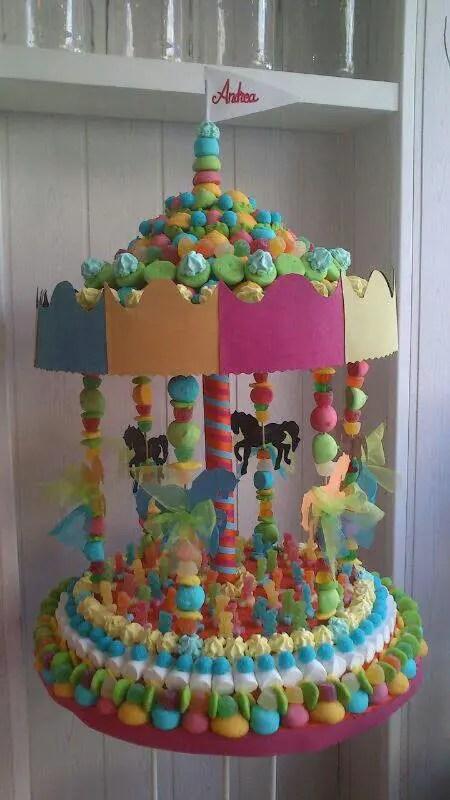 Carrusel con dulces y malvaviscos dale detalles - Como hacer un carrito de chuches paso a paso ...