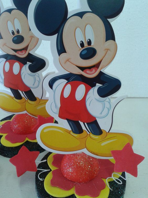 Centros de mesa tema mickey mouse dale detalles for Mesa de cumpleanos de mickey