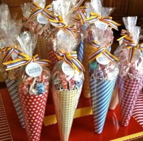 dulces en conos de celofan1
