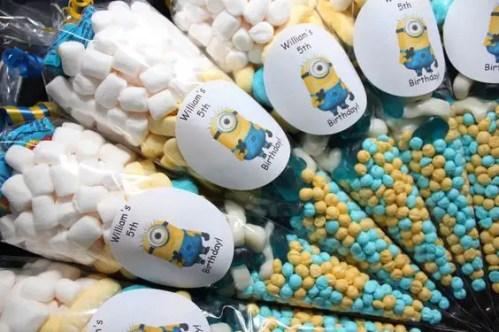 dulces en conos de celofan13
