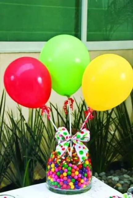 centro de mesa con globos