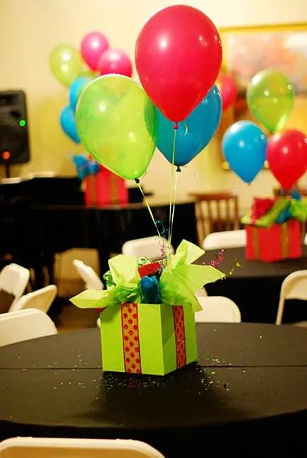Incre bles centros de mesa con globos dale detalles for Decoraciones faciles y economicas